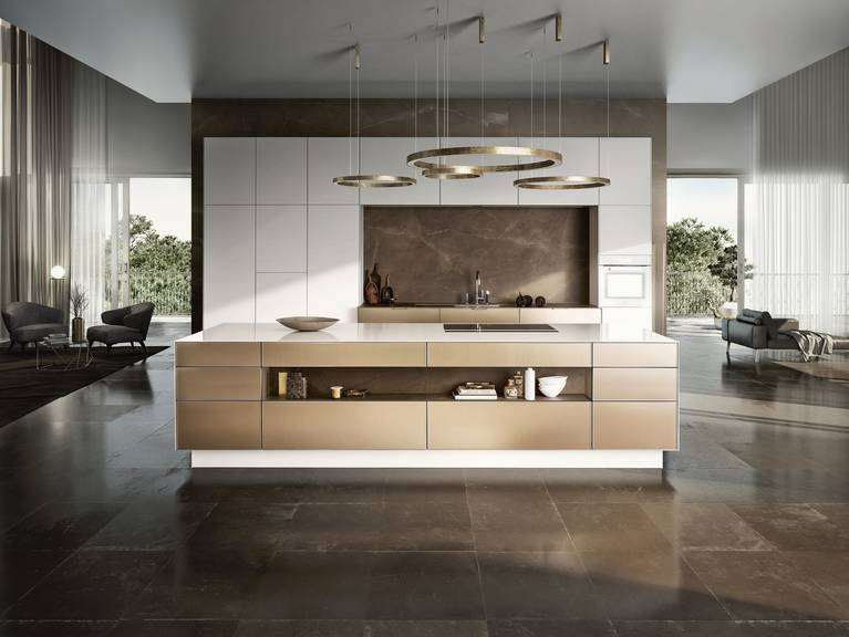 SieMatic Pure SE 3003 R in lotus white and gold bronze with kitchen island