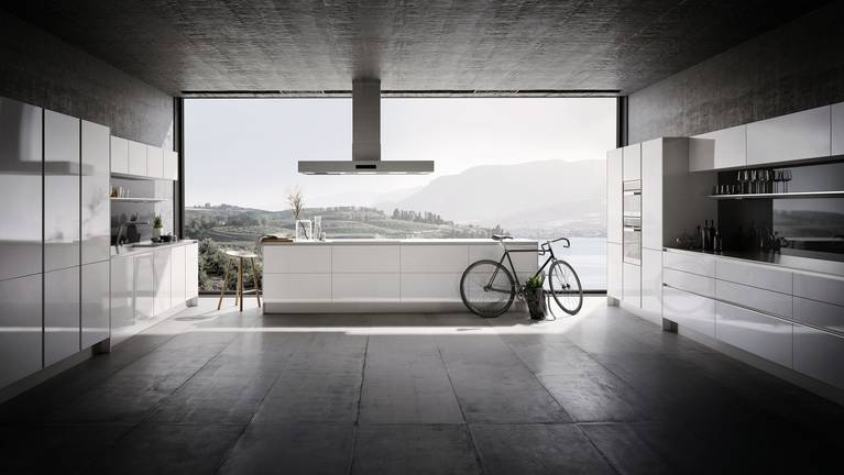 SieMatic Pure S2 kitchen in lotus white with island