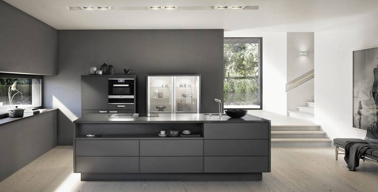 SieMatic Pure SE 3003 R in umbra matte lacquer with kitchen island